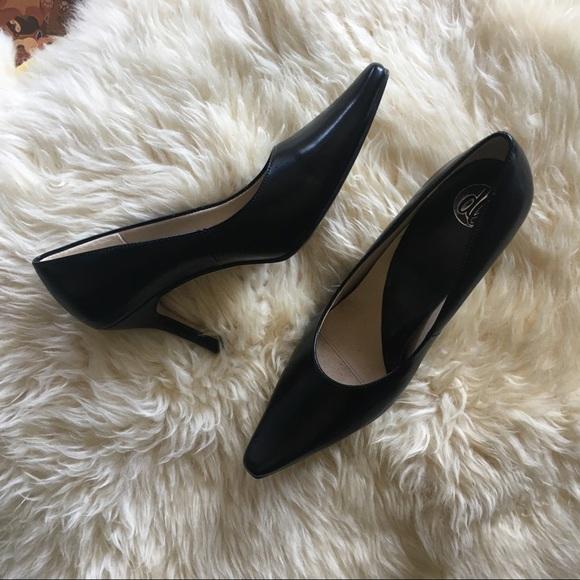 23c2825b55 donna lawrence Shoes | Classic Black Pumps Pointy Toe Pumps | Poshmark